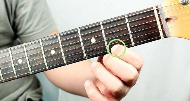 Imaginea intitulată Redați un corzi Bm pe chitara Pasul 1