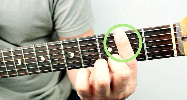 Imaginea intitulată Redați un corzi Bm pe chitara Pasul 11