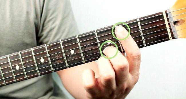 Imaginea intitulată Redați un corzi Bm pe chitara Pasul 7