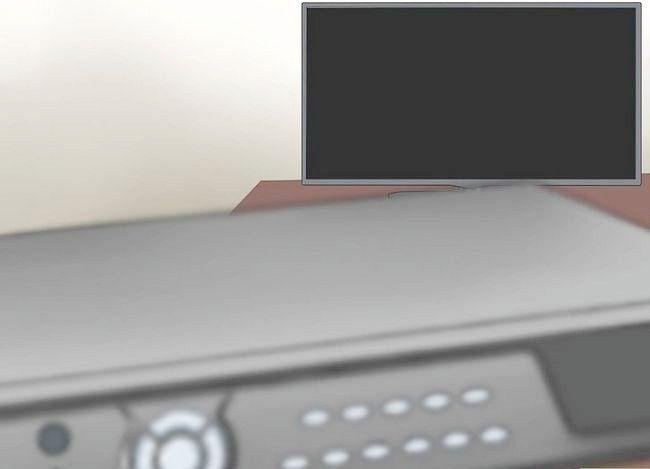 Imaginea intitulată Conectați DVR la televizor Pasul 17