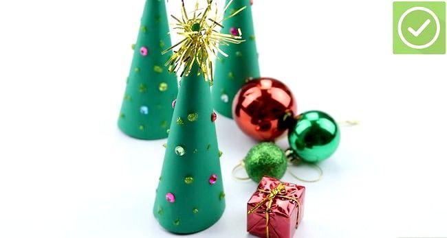 Imaginea intitulă Faceți un copac de Crăciun Pasul 10