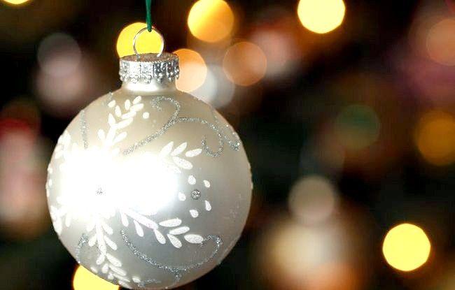 Imagine cu titlul Ornament de argint de zăpadă