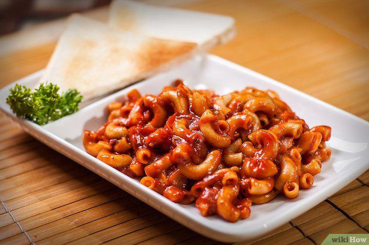 Imagine cu titlul Pregătiți macaroane picante cu sos de roșii Pasul 5