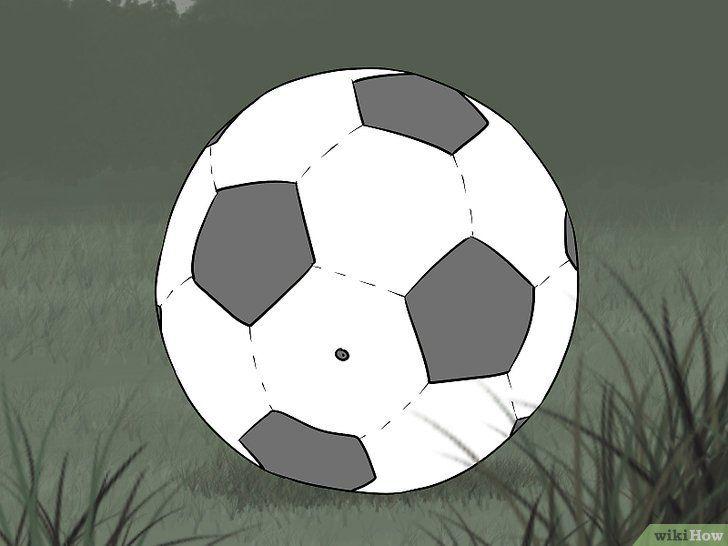 Imaginea intitulată Kick Like Cristiano Ronaldo Pasul 2