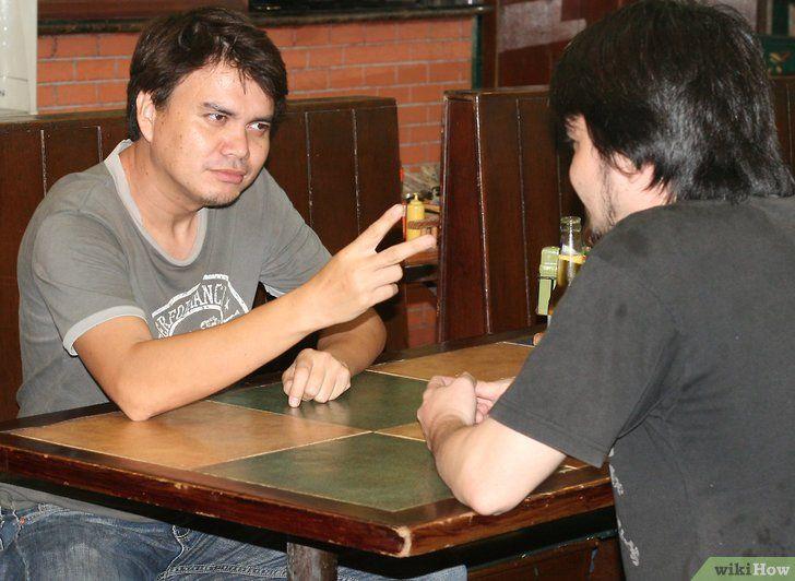 Beți două beri înainte ca oricine altcineva să bea două fotografii