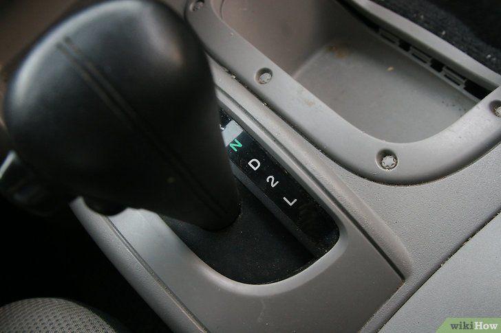 Alegeți între o mașină cu transmisie automată și transmisie manuală